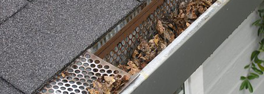 dirty gutters need gutter cleaning